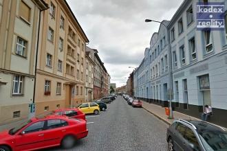 Pěkný zděný byt 2+1 ve Škroupově ulici, Hradec Králové - centrum